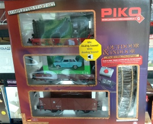 DR V20 Diesel Freight Starter Set Piko 37121 (ex shop display)