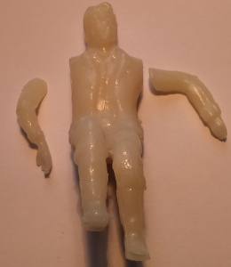 Unpainted sitting figure 75100