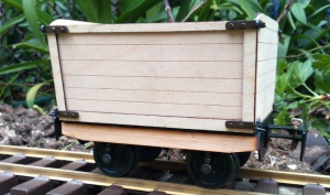 High sided wagon kit with opening doors