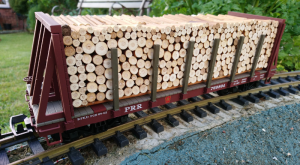 Piko 38755 PRR Bogie Bulkhead Wagon With Log Load